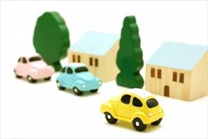 【注意】老眼が車の運転に及ぼす影響と対策 老眼鏡は?免許更新時は?